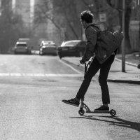 на самокате по широким улицам столицы... :: Svetlana AS