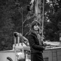 На прогулке. :: Владимир Батурин