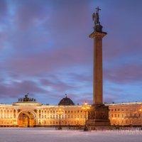 Дворцовая площадь и Ангел :: Юлия Батурина