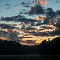 тихий вечер на берегу озера :: Владислав Попов