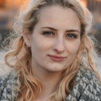 Портрет молодой девушки :: Андрей Майоров