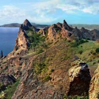 Крым, вулкан Карадаг, хребет Кара-Гач, скала Пряничный конь :: viton