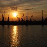 Порт. Одесса. :: Lara