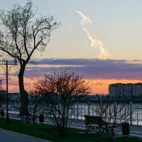 Закат на набережной реки Кубань в Краснодаре :: Андрей Майоров