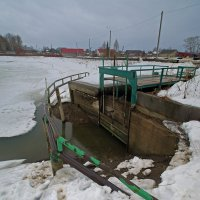 На плотинке...)) :: Владимир Хиль