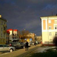 город в ожидании снежного заряда :: Александр Прокудин