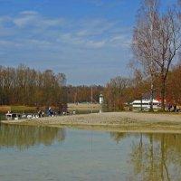 По-летнему теплый апрельский день... :: Galina Dzubina