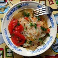 Курочка тушеная с овощами и фунчозой :: Андрей Заломленков