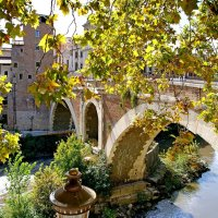 Мост Фабриция на остров Тиберина в Риме :: Денис Кораблёв