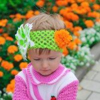 Малышка с бархатцами :: Алена Архиреева