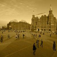 на площади :: Александр Шурпаков