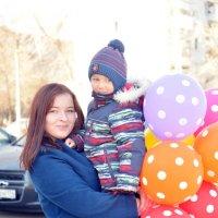 Двое с шариками-3 :: Полина Потапова
