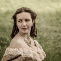 Есть ещё женщины в русских селениях... :: Андрей Печерский