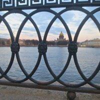...твоих оград узор чугунный :: Елена