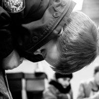 Он сможет застегнуть куртку, он упорный :: Дмитрий Пронь