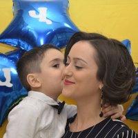 kiss :: Elen Balasanyan