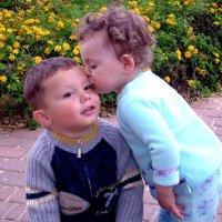 Первый поцелуй. :: Leonid Korenfeld