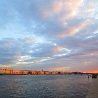 вечернее небо над Невой :: Елена