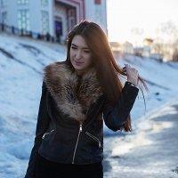 Лучик солнца в ее волосах... :: Катрина Деревеницкая