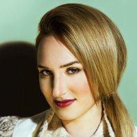 портрет  Ирины :: Оксана Сергеева