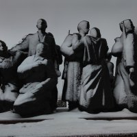 Заснеженные скульптуры -1 :: Александр Витебский