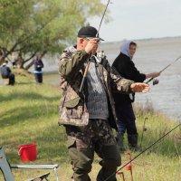 Ловись рыбка. :: Larisa Gavlovskaya