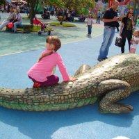 Аллегатор и дети :: Елена Фофанова