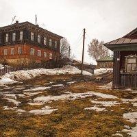 Купеческий дом позопрошлого века... :: Владимир Хиль