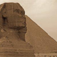Сфинкс и пирамида :: Oxana Morozova