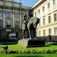 Памятник императору Александру III :: Сергей