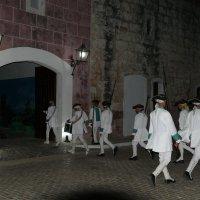 Машина временя перенесла нас в 18 век. В испанской крепости Ла-Кабанья (Гавана, Куба). :: Юрий Поляков