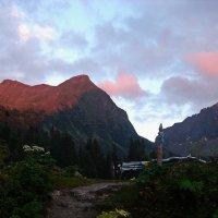 Где то в горах ... :: Владимир Икомацких