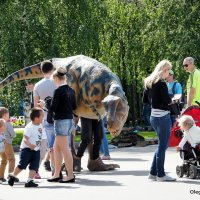 динозаврик и дети :: Олег Лукьянов
