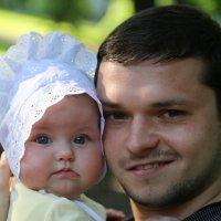 Папа с дочкой-5. :: Руслан Грицунь