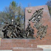 Памятник труженикам тыла :: Сергей Тагиров