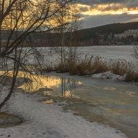 Весна на озере :: vladimir Bormotov