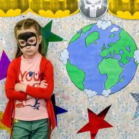 Спасать сегодня мир или уж не спасать?))))) :: Виктор