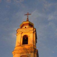 Храм в закатных лучах :: Андрей Лукьянов