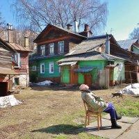 Рядом кошечка идет, только я все сижу и на солнышко .!!!! :: Святец Вячеслав