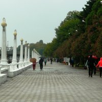 набережная, дождь :: Леонид Натапов