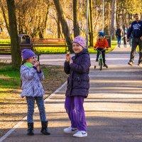 Весенняя прогулка :: Леонид Соболев