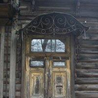 Прабабушка домофонной двери :: Галина Бобкина