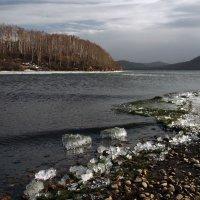 Холодный,ветреный апрель на Ангаре... :: Александр Попов