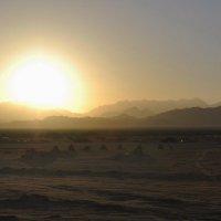 Закат в пустыне :: Юлия Лихачева
