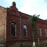 Учебное  здание  в  Стрыю :: Андрей  Васильевич Коляскин
