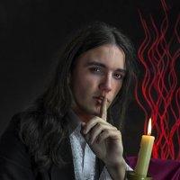 —Благородный вампир...Ну,не противоречие ли это? :: Николай Фролов