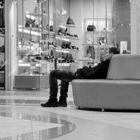 Этот утомительный шоппинг :: Николай Белавин