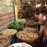 На индийском базаре. :: Елена
