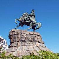 Памятник Богдану Хмельницкому в Киеве :: Олег Шендерюк