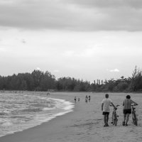 Прогулка по пляжу :: Anastasia Melnikova
